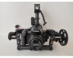 Carbon Gimbal mit Canon EOS 550D